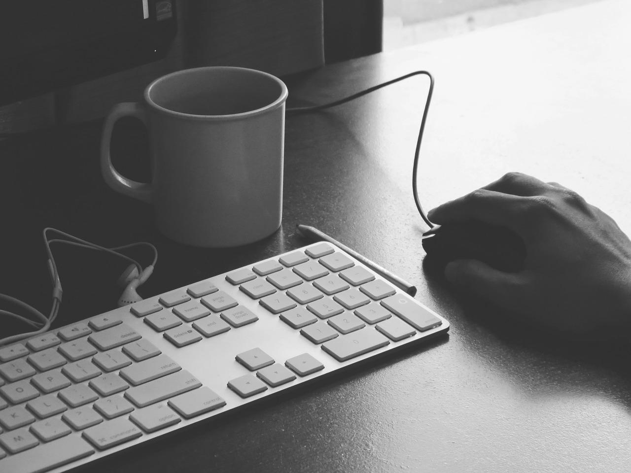 ブログを始めて4ヶ月が経ちました。恒例の2015年4月のアクセス数と人気のページをご紹介。