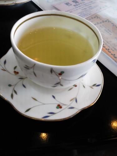 鳥羽の温泉宿「戸田家」のウェルカムドリンクその1-お茶