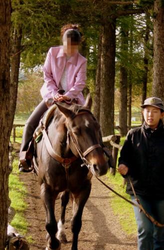 日高ケンタッキーファームで乗馬