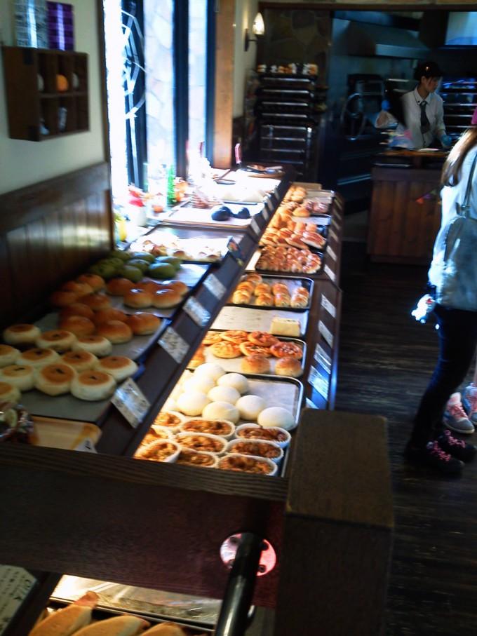 松江出雲で人気のパン屋森のくまさん松江店店内