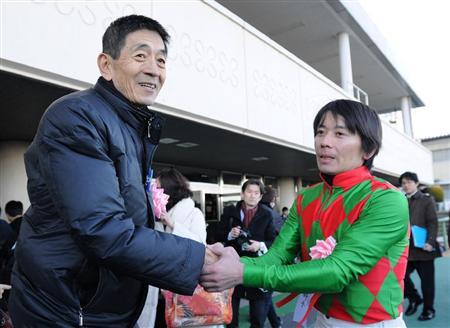 岡田さんと大知騎手.jpg
